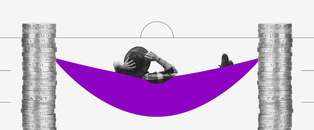 Aposentadoria autônomo: colagem de um homem deitado em uma rede roxa, que é apoiada em duas torres de moeda.