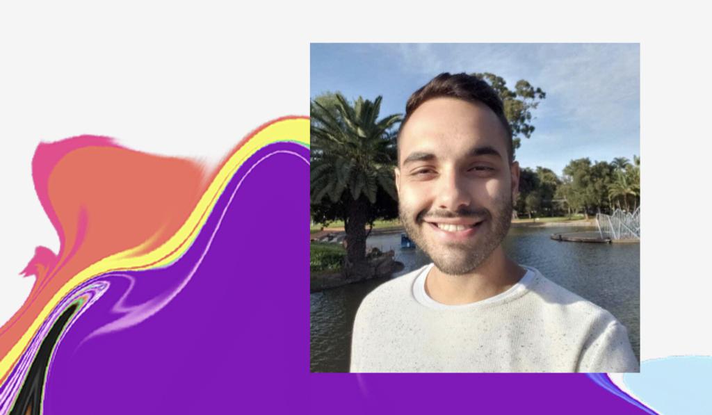 Dia do Orgulho LGBTQIA+: foto de Matheus com um lago ao fundo