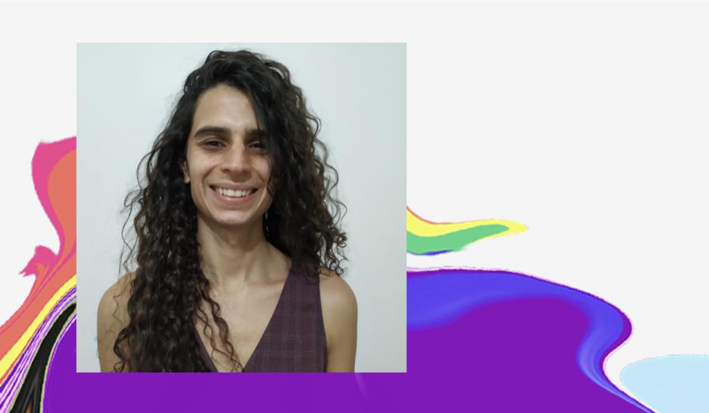 Dia do Orgulho LGBTQIA+: foto de Helena num fundo branco