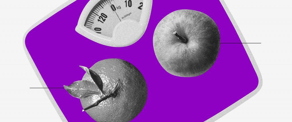 Balança comercial: uma laranja e uma maçã vistas de cima sobre uma balança roxa