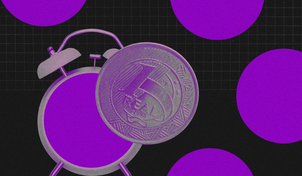 Uma moeda com um relógio sem ponteiros atrás, e um fundo preto com várias bolas roxas