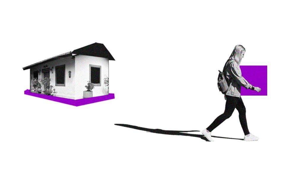 no fundo branco, colagem de uma casa em preto e branco. Na frente, uma mulher carregando uma caixa roxa.