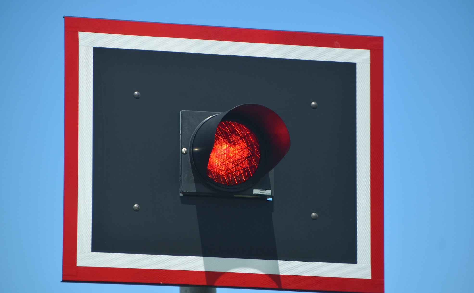 imagem de uma luz vermelha de semáforo