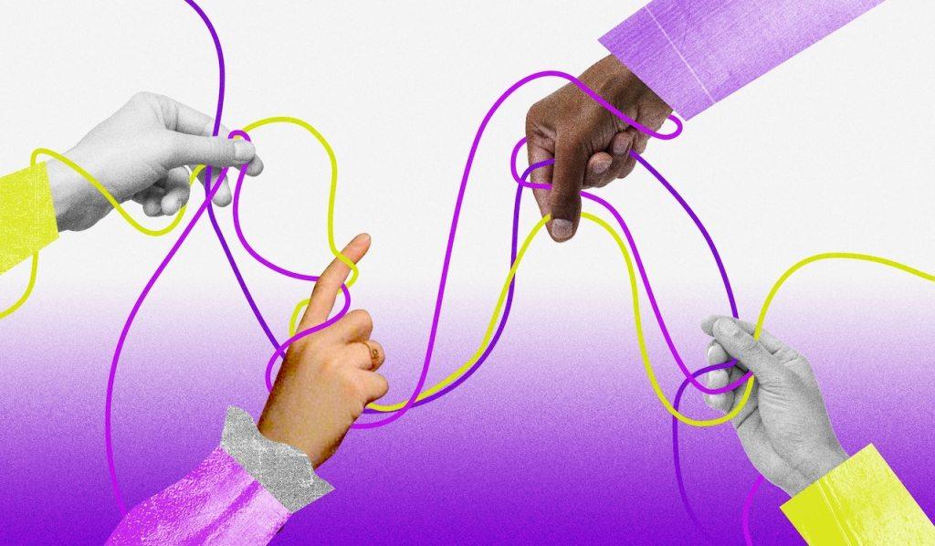 Ilustração com três barbantes entrelaçados nas cores roxo, rosa e amarelo. Eles estão embaraçados, e quatro mãos aparecem nos cantos da imagem para puxá-los.